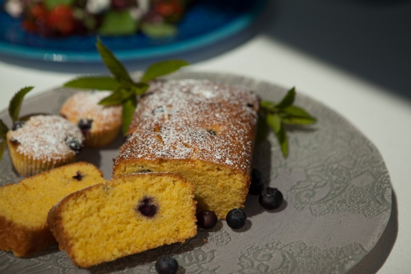 blueberry yoghurt almond cake