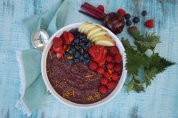 beetroot, neetle berry smoothie bowl