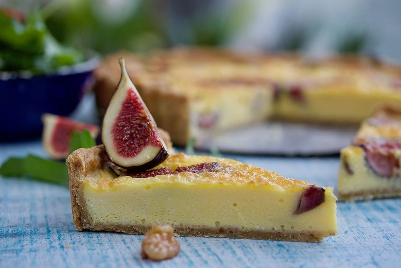 Fig, camembert and caramelized onion tart